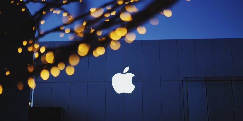 Apple could be working on a headset that tracks facial ...